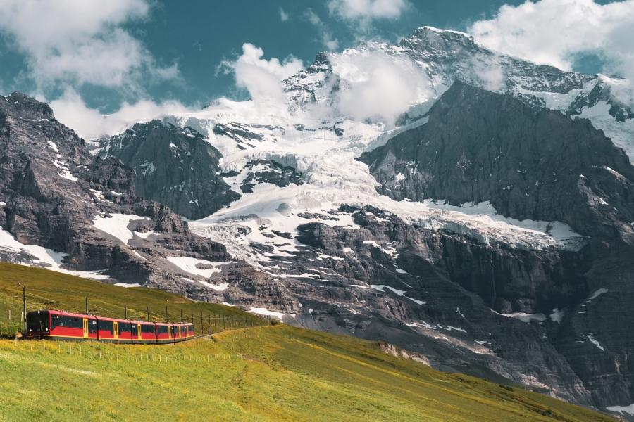 Wyjazd incentive do Szwajcarii kolejka na Jungfraujoch