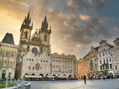 Wycieczka na piwo do Pragi i Rynek Starego Miasta z Kościołem Tyńskim