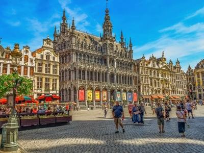 Wycieczka piwna do Belgii, widok na ratusz w Brukselii
