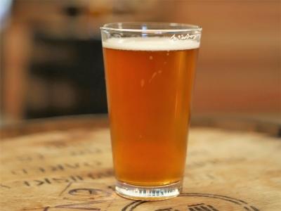 Wycieczka piwna do Berlina, kufel piwa na stole