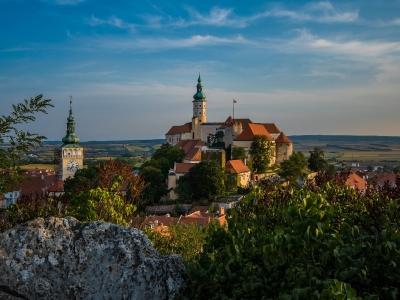 Wyjazd firmowy na wino do Czech, widok na zamek w Mikulovie