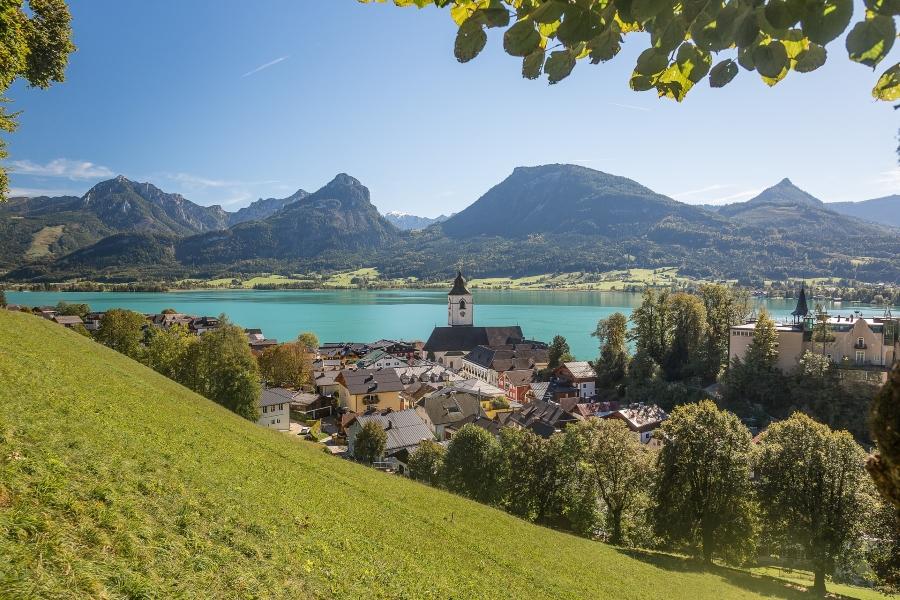 Wycieczki do Austrii. Miejscowość St. Wolfgang w regionie Salzkammergut