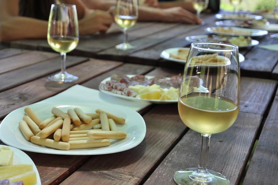 Wycieczki winiarskie. Degustacja win.