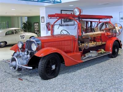 Wycieczka do Sztramberka. Samochód strażacki w muzeum Tatra