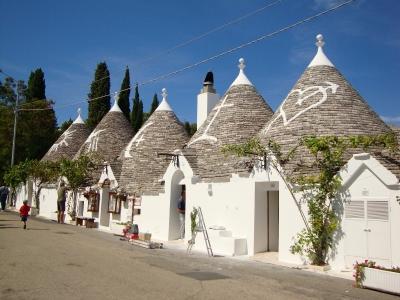 Apulia wycieczka dla grup i firm. Domki trulli w Alberobello.