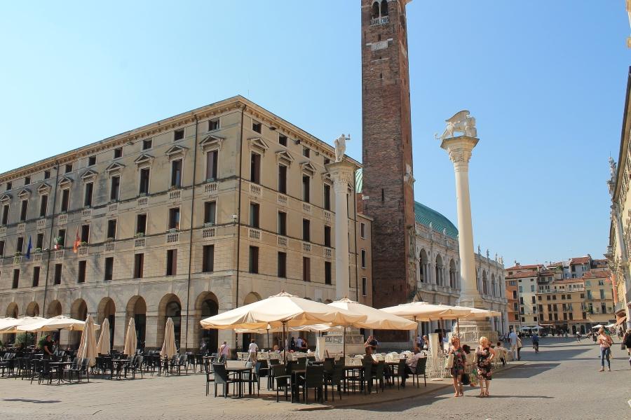 Piazza dei Signori w mieście Vicenza