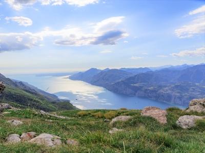 Wycieczka Północne Włochy. Widok na Jezioro Garda.