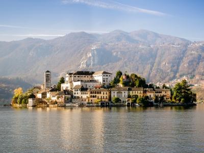 Wycieczka Włoskie Jeziora i Lombardia z wizytą nad Jeziorem Maggiore.