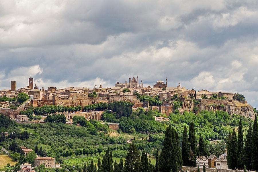 Wycieczki do Włoch ze zwiedzaniem Orvieto