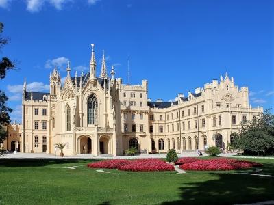 Pałac w miejscowości Lednice - wycieczka na Morawy na trzy dni