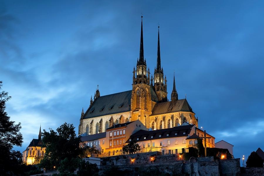 Katedra w Brnie nocą