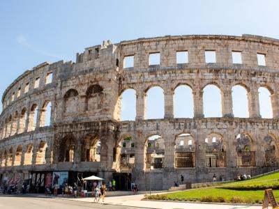 Półwysep Istria - wycieczka dla grup. Widok na amfiteatr rzymski w mieście Pula.